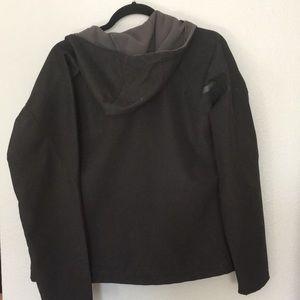 Helly Hansen Jackets & Coats - Helly  Hansen Sz M black shell w/gray soft lining